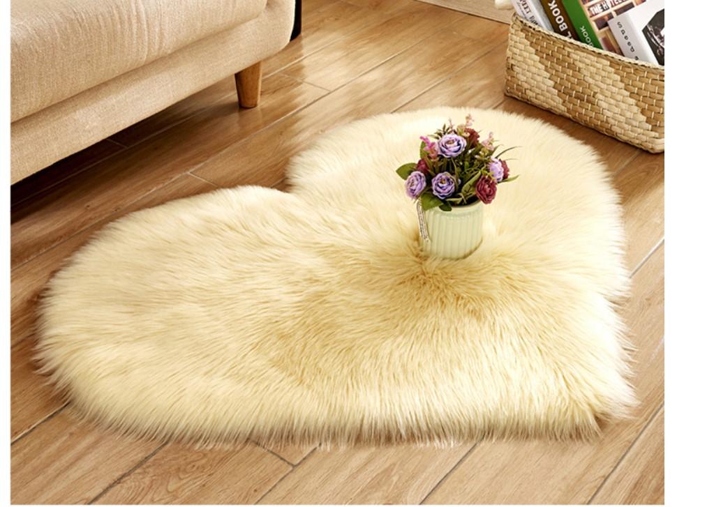 Eco Fur Heart Shaped Rug