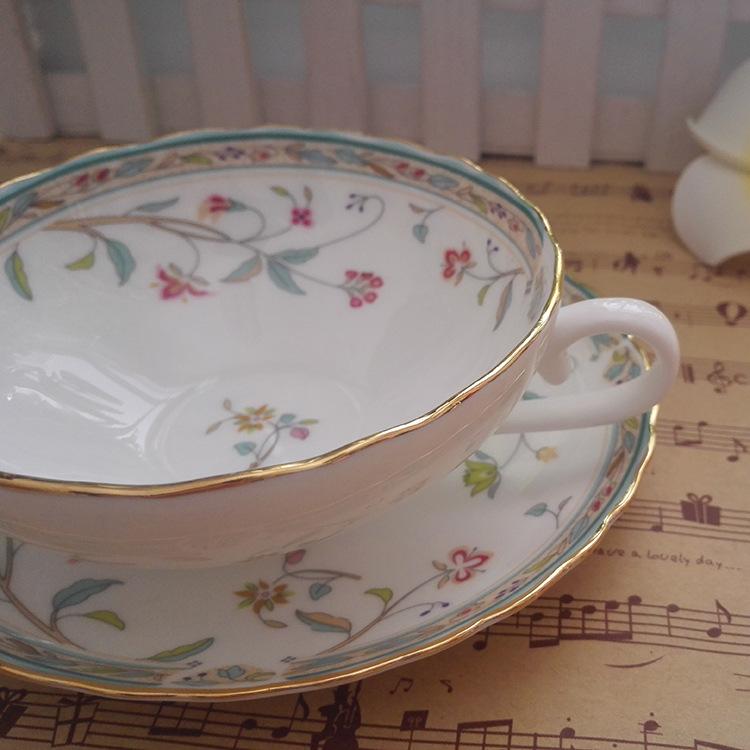 Classic Vintage Ceramic Tea Set